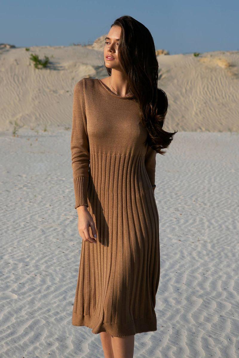 Коричневое  платье полуоблегающего силуэта 000-189 - Victorya-Shop.com