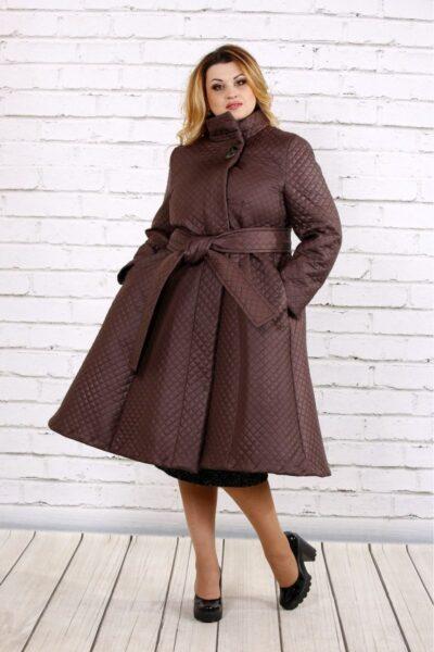 Коричневое стеганное пальто  00-133725 - Victorya-Shop.com